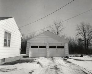 Garage on Perrine0002